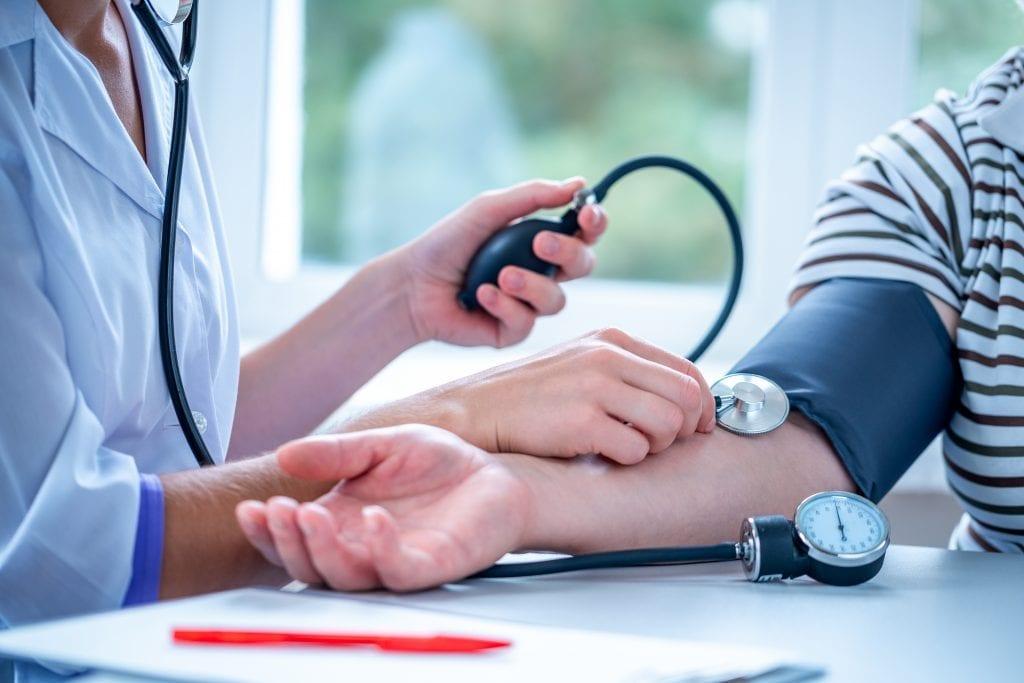 Høyt blodtrykk som ikke lar seg korrigere av medisiner kan være første tegn på feokromocytom